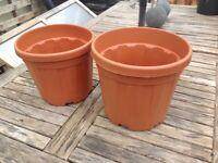 Garden pots/ plastic x2