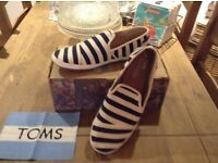 Toms - Men's size 12 **New/Boxed**
