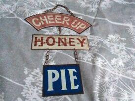 Metal plaque - cheer up honey pie