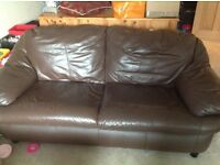Brown leather 2 seater settee/sofa, excellent condition