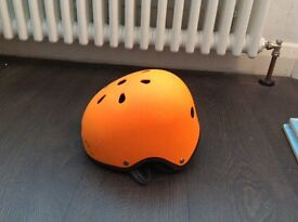 Micro scooter helmet orange