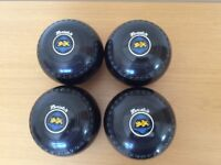 Set of 4 Henselite Classic II bowls size 5 H Excellent condition