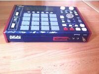 Akai Mpc 1000 sampler drum machine