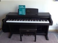 Electric Piano Yamaha Clavinova CLP 411 with stool Perfect working order.