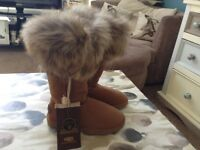 Brand new kos kingdom of sheepskin boots size 5 cost £220 new