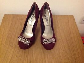 New Look Size 4/37 burgundy suede effect shoes