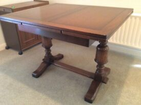 Vintage Extendable Dining Room Table and chairs