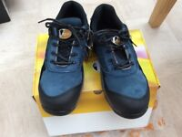 Men's size 9 V12 work/safety trainers Brand New Blue/black