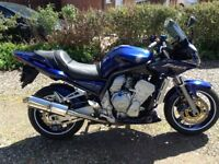 Selling my Fazer for a quick sale new pads discs and clutch,many more extras,goes and looks great.