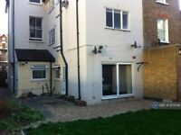 1 bedroom flat in Stretham Hill, London, SW2 (1 bed) (#972048)