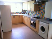 AVAILABLE NOW!! NICE 5 BEDROOM FOR JUST £2225pcm in CHINGFORD, E4 8PJ (Lightly REFURB.)