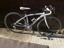 Raleigh Capri road bike nearly as new excellent condition
