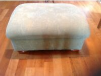 Upholstered seat/footstool