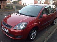 Ford Fiesta 2006 1.4, Full Service history, 12 Months MOT, Stunning Red Dashboard. 1 Former keeper