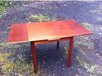 Traditional vintage extending dining table