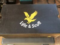 Lyle & Scott knee pads