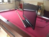 32 inch toshiba tv DVD immaculate with remote