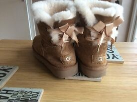 Genuine ugg boots uk 6 brand new