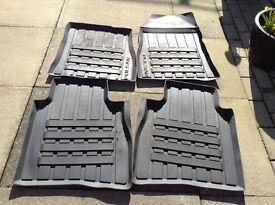 Nissan Pulsar rubber car mats