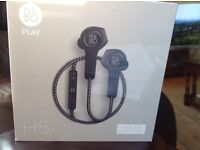 B&o, Bang&olufsen play H5 wireless earphones, new and sealed