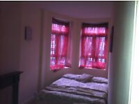 Beautiful single rooms £400 and double room £700 pcm, in a flat located in E9.