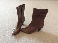 Clark's Ladies leather boots size 7/40 taupe colour, small heel only worn once