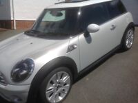 Mini Camden 1.6 with panoramic roof
