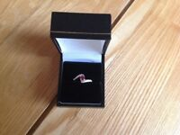 Stunning Ruby ring in sterling silver size J/K