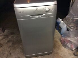 Indesit Slimline Dishwasher IDL Silver ,good condition