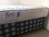 King Mattress 2 piece box set from non-smoking home.For Pickup only please.