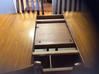 Extendable dingroom table and chairs for sale