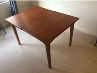 Modern Stylish Extending Dining Table
