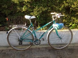 RETRO PEUGEOT PARISIENNE LADIES CITY /TOWN BIKE--can deliver ---reduced to clear