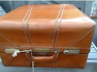 ANTIQUE VINTAGE RAILWAY TRAVEL TRUNK STEAMER CHEST STORAGE BOX TABLE display leather look