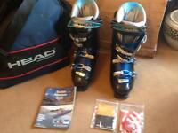 Pair head ski boots size 30/30.5