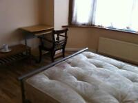SPACIOUS CLEAN FURNISHED DOUBLE ROOM - CLOSE TO TUBE AND BUSES-MOVE IN TODAY