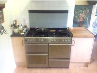 Diplomat large cooker, 7 gas burner, double oven range cooker with glass lid