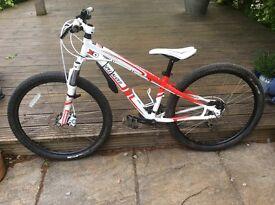 "Youths Specialised hardrock mountain bike 13"" frame"