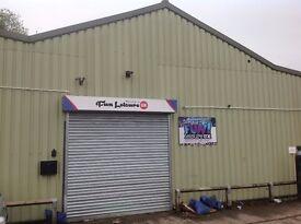 1450 sq ft. Commercial Unit, Leyland, Preston, roller shutter entrance, Parking,