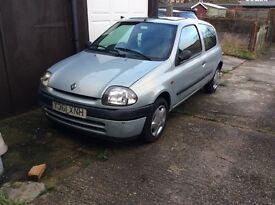 For Sale Renault Clio 1.2 2001 MOT July £350