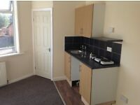 STUDIO FLATS LOW DEPOSIT RENT PAID WEEKLY! FULLY FURNISHED ALL BILLS INCLUDED! FREE WIFI INTERNET!