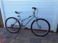 Ladies Raleigh cougar bike good condition