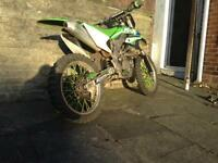 Kxf450 motor bike crosser. Not crf yzf rmz ktm