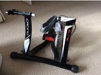 Cycle trainer. elite crono hydro-mag