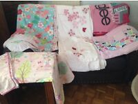 Duvet cover with matching pillow case - single size 5 sets