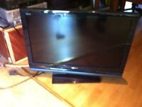 Sony bravia 32 inch television with free view etc has two scart sockets comes with remote control