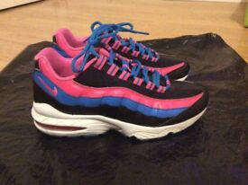 Air max 95 - Size 5 in excellent condition (Hardly worn)