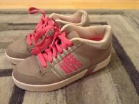 Grey and pink Heelys girls size 6