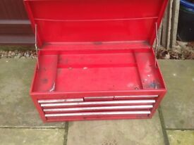 Metal stackable tool chest