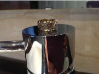 Stunning 18ct gold with 40 diamonds ring